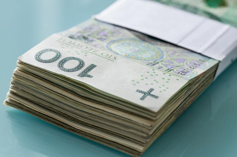 Kredyty są dziś najtańsze w historii, a mimo to banki dużo na nich zarabiają /123RF/PICSEL