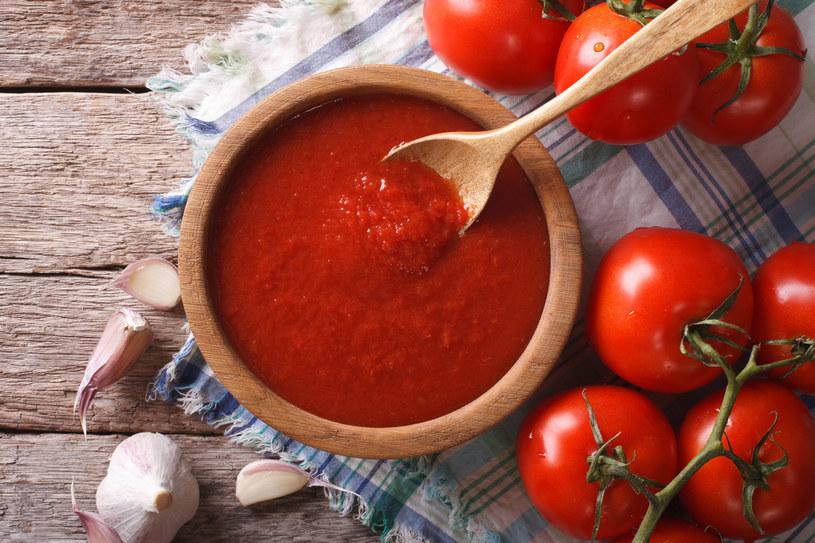 Krem pomidorowy z pieczoną papryką /123RF/PICSEL