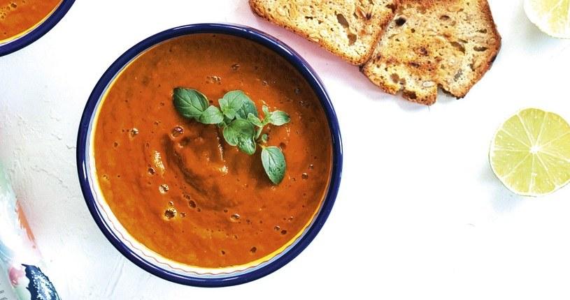 Krem z pieczonych warzyw to idealny pomysł na obiad /materiały prasowe