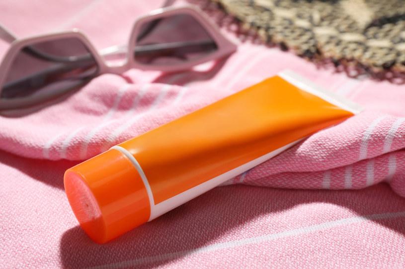 Kremów z filtrem należy używać nie tylko latem /123RF/PICSEL