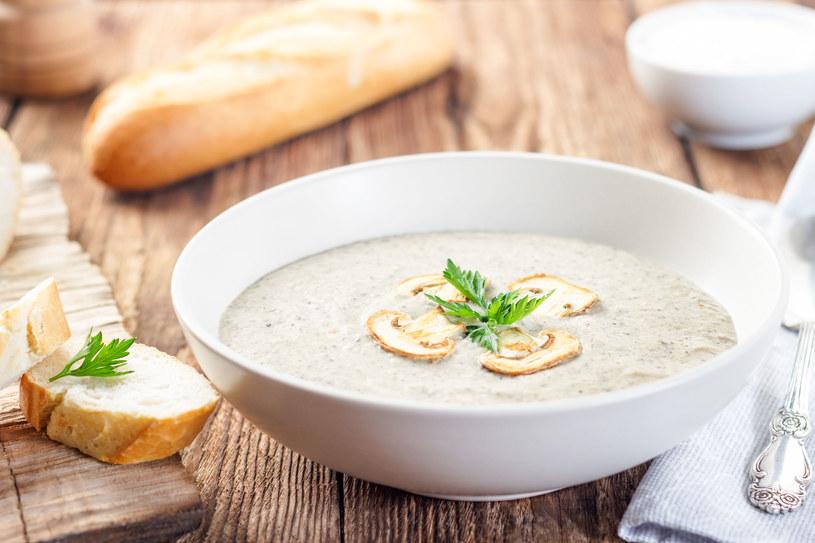 Kremową zupę przygotujesz nie tylko z warzyw /123RF/PICSEL