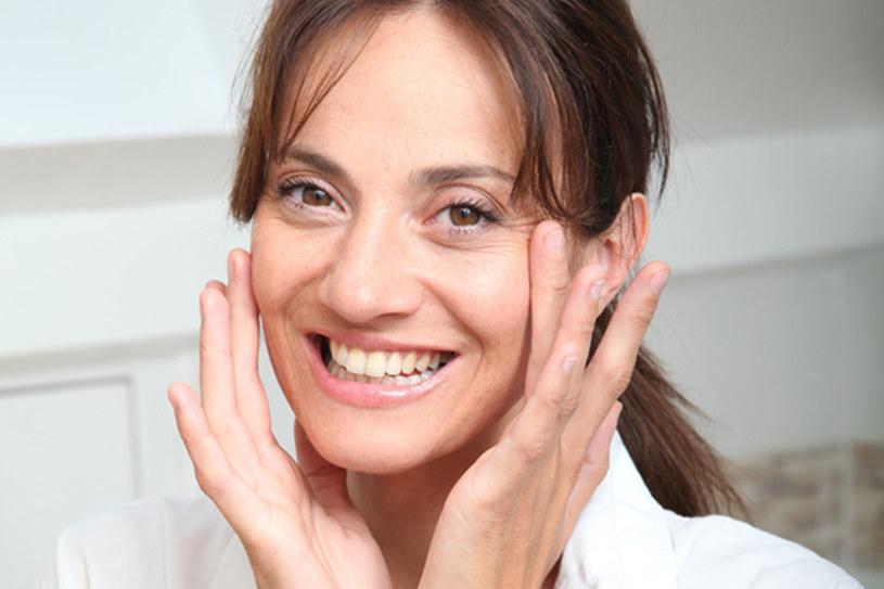 Kremy na zmarszczki chronią skórę przed chronią skórę przed wolnymi rodnikami  /© Panthermedia