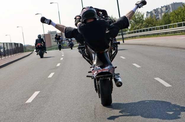 """Kreowanie się przez motocyklistów na """"niewiniątka"""" jest  nie na miejscu Fot. Borowicz/REPORTER /Reporter"""