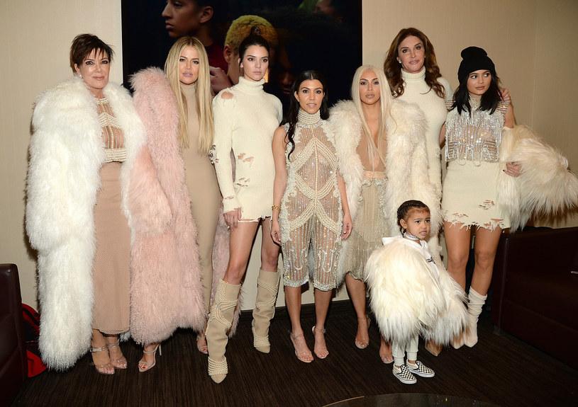 Kris Jenner z córkami, wnuczką i byłym mężem, Caitlyn /Kevin Mazur /Getty Images