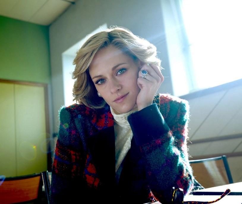 """Kristen Stewart jako księżna Diana w filmie """"Spencer"""" /Neon /materiały prasowe"""
