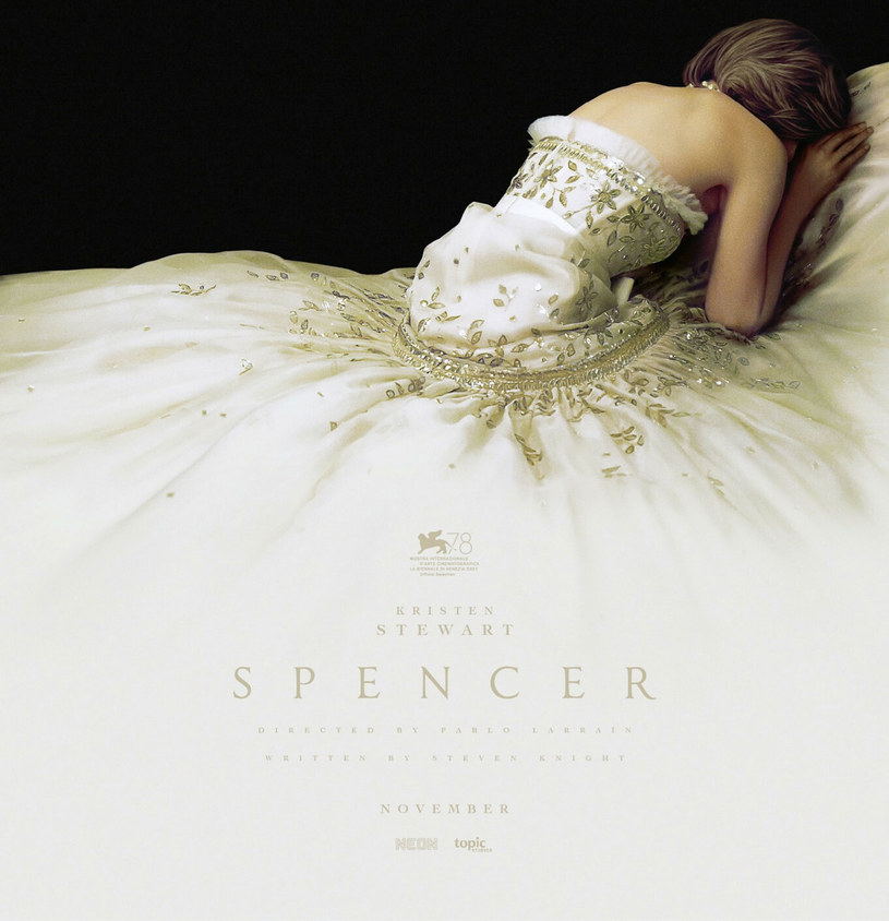 "Kristen Stewart na plakacie filmu ""Spencer"" /Everett Collection /East News"