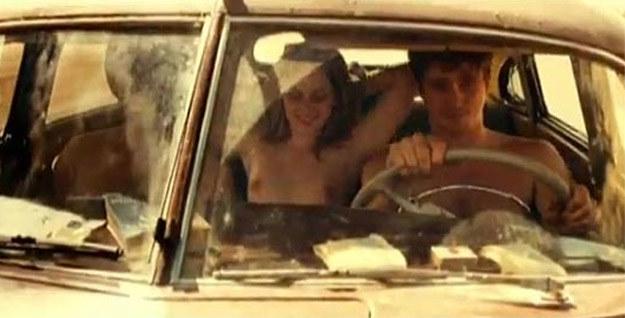 """Kristen Stewart """"W drodze"""" bez ubrania /Internet"""
