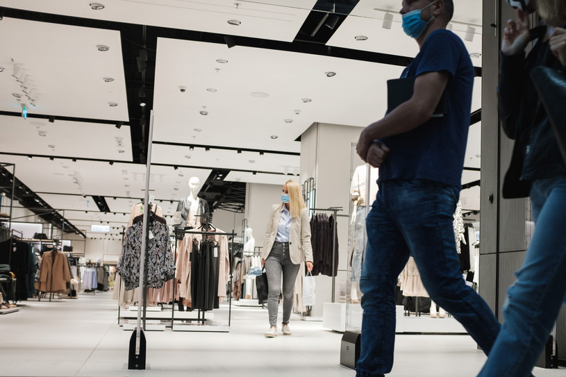 Krok do zamknięcia galerii handlowych? /Piotr Dziurman /Reporter
