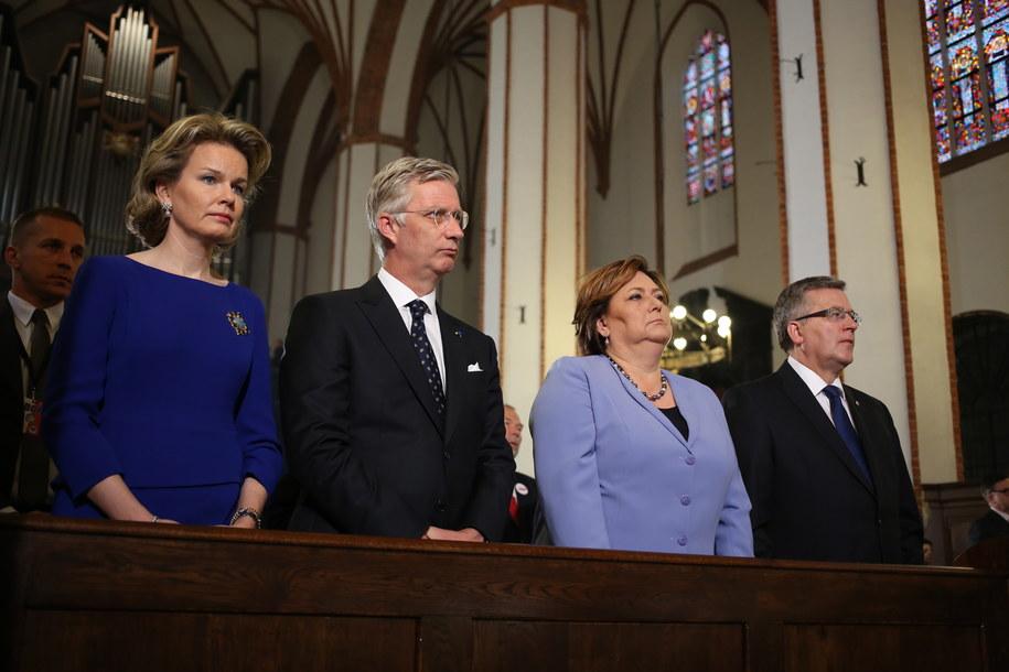 Król Belgii Filip I Koburg i królowa Belgii Matylda oraz prezydent Komorowski z żoną Anną /Leszek Szymański /PAP