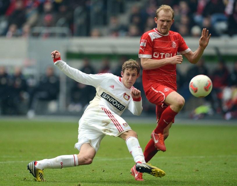 Król strzelców Bundesligi z poprzedniego sezonu Stefan Kiessling (z lewej) /AFP