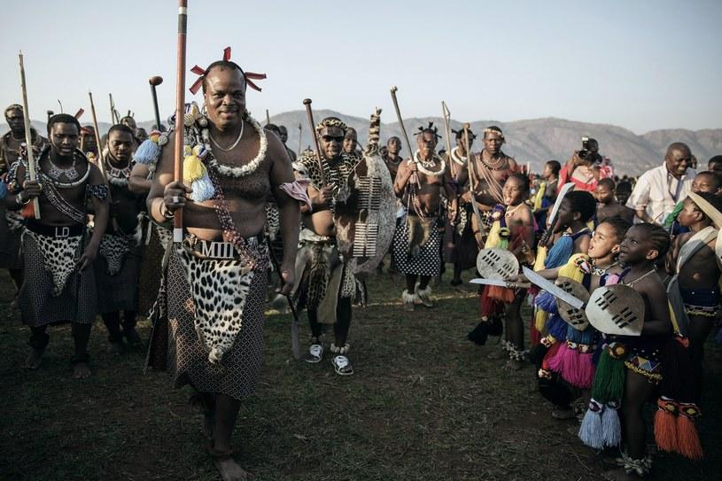 Król Suazi Mswati III wśród potencjalnych kandydatek na żony /AFP