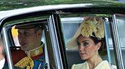 Królewski konwój z Kate i Williamem wjechał w 83-latkę