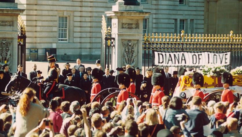 Królewskie pożegnania – pogrzeby jakich świat nie widział