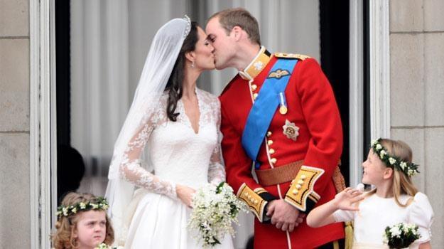 Królewskie zaślubiny Wiiliama i Kate oglądały miliony osób na całym świecie /AFP