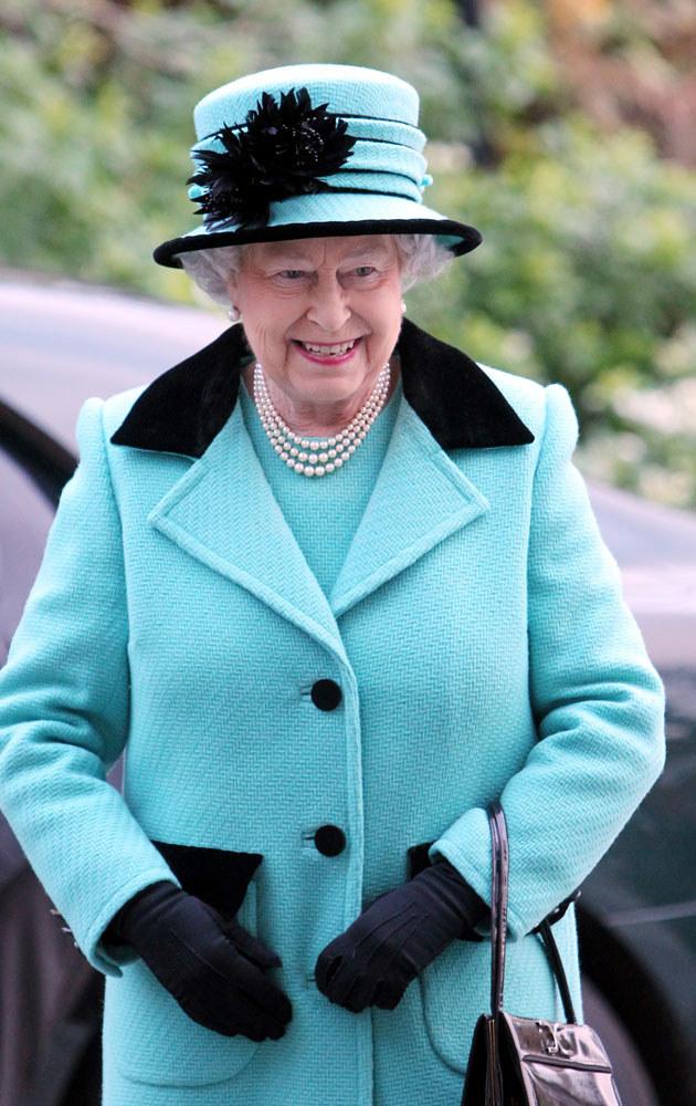 Królowa Elżbieta cieszy się z ciąży Kate, ale jest podobno rozżalona, że tak późno się o niej dowiedziała /WPA Pool /Getty Images