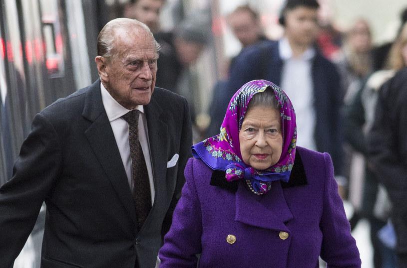 Królowa Elżbieta i książę Filip /Mark Cuthbert /Getty Images