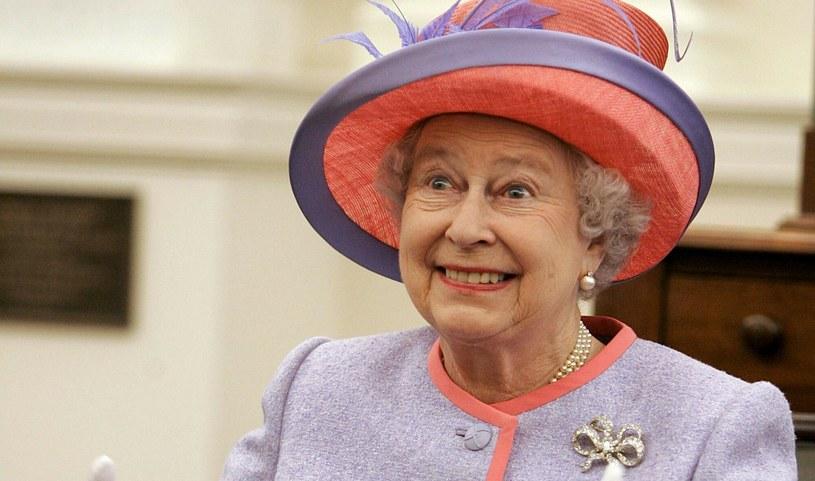 Królowa Elżbieta II bardzo dba o reputację monarchii. Mało kto wie o jej słabościach /MATTHEW CAVANAUGH /East News