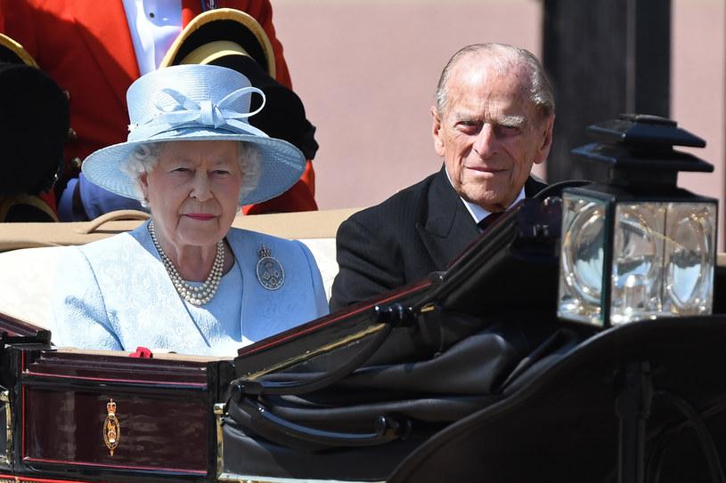 Królowa Elżbieta II i książę Filip /CHRIS J RATCLIFFE /AFP