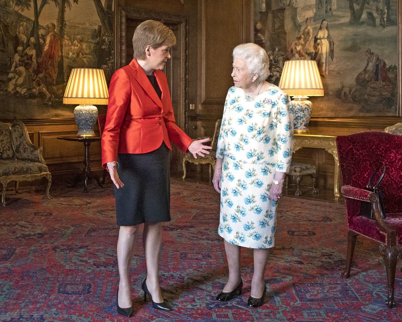 Królowa Elżbieta II i pierwsza minister Szkocji - Nocola Sturgeon /WPA Pool /Getty Images