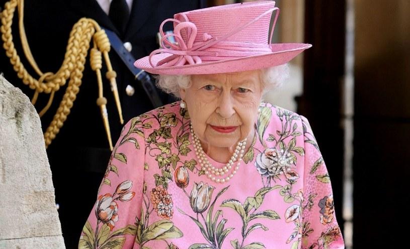 Królowa Elżbieta II jako monarchini cieszy się doskonałą reputacją /Chris Jackson/afp /East News