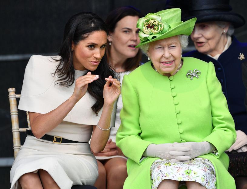 Królowa Elżbieta II martwi się zaistniałą sytuacją /East News