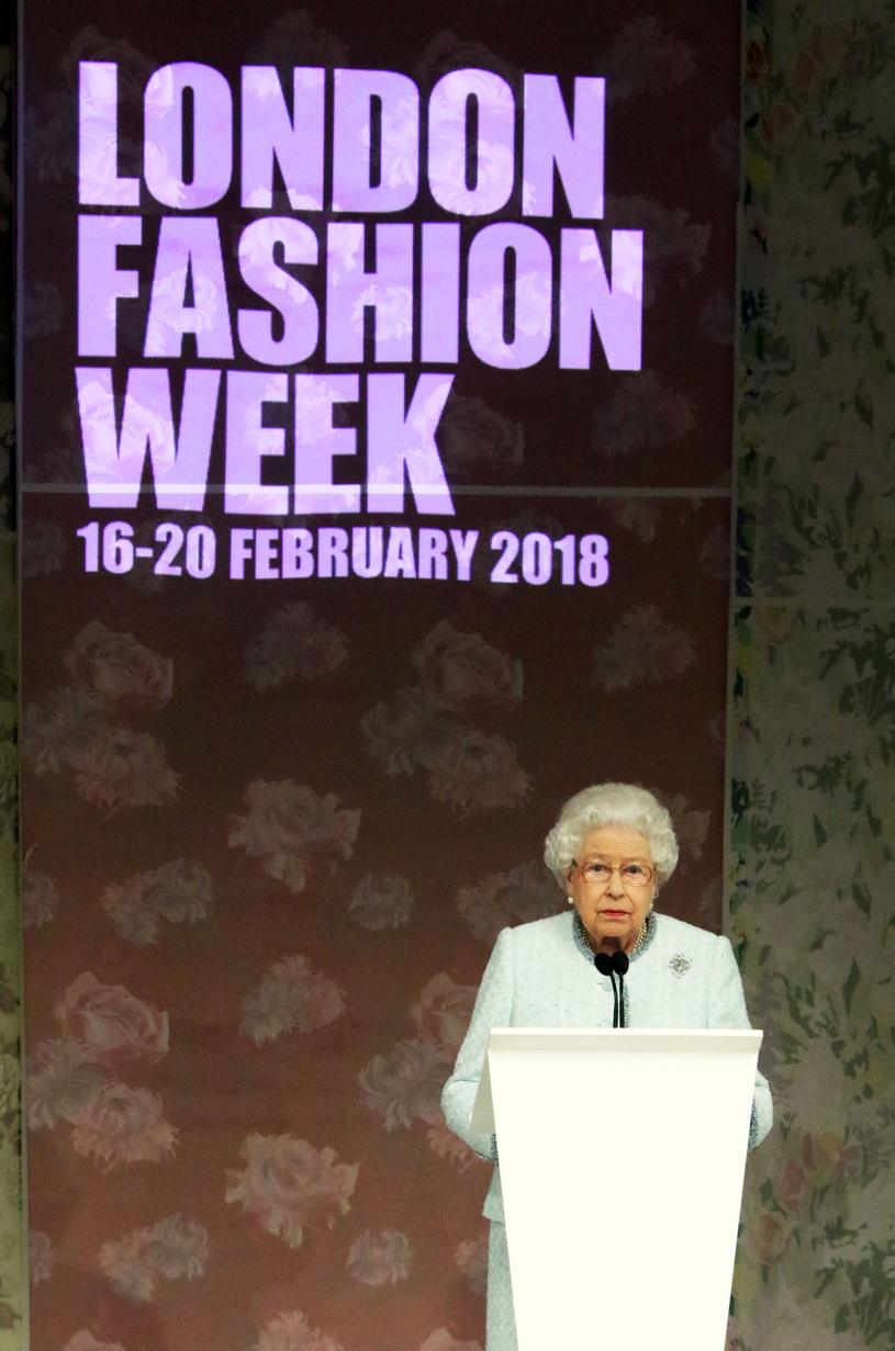 Królowa Elżbieta II na London Fashion Week 2018 /Brett D. Cove / Splash News /East News