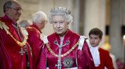 Królowa Elżbieta II oszczędza nawet w święta na pracownikach?!