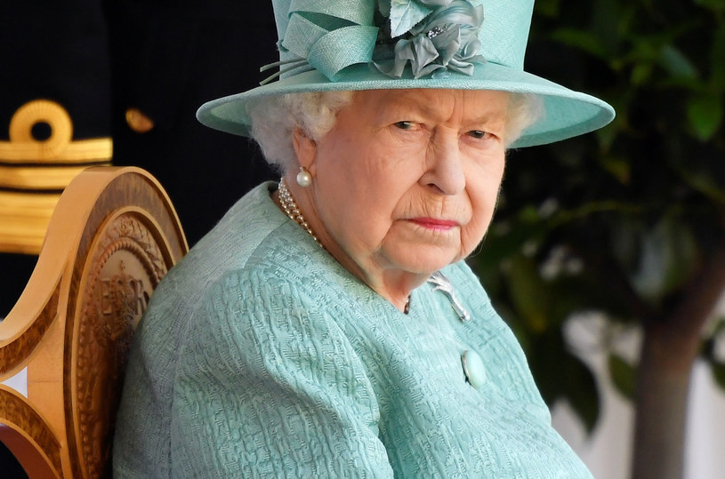 Królowa Elżbieta II samotnie na paradzie /Pool Reuters/Associated Press/ /East News