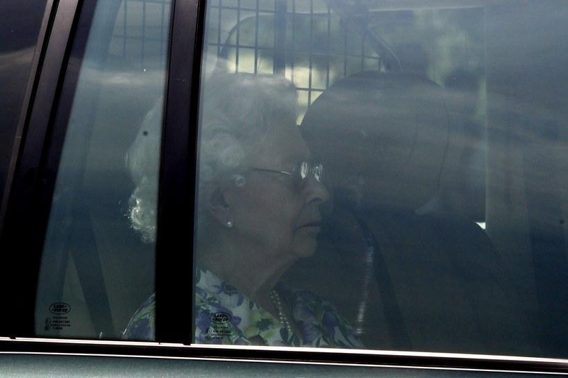 Królowa Elżbieta II wróciła do Pałacu Buckingham /PAP/EPA
