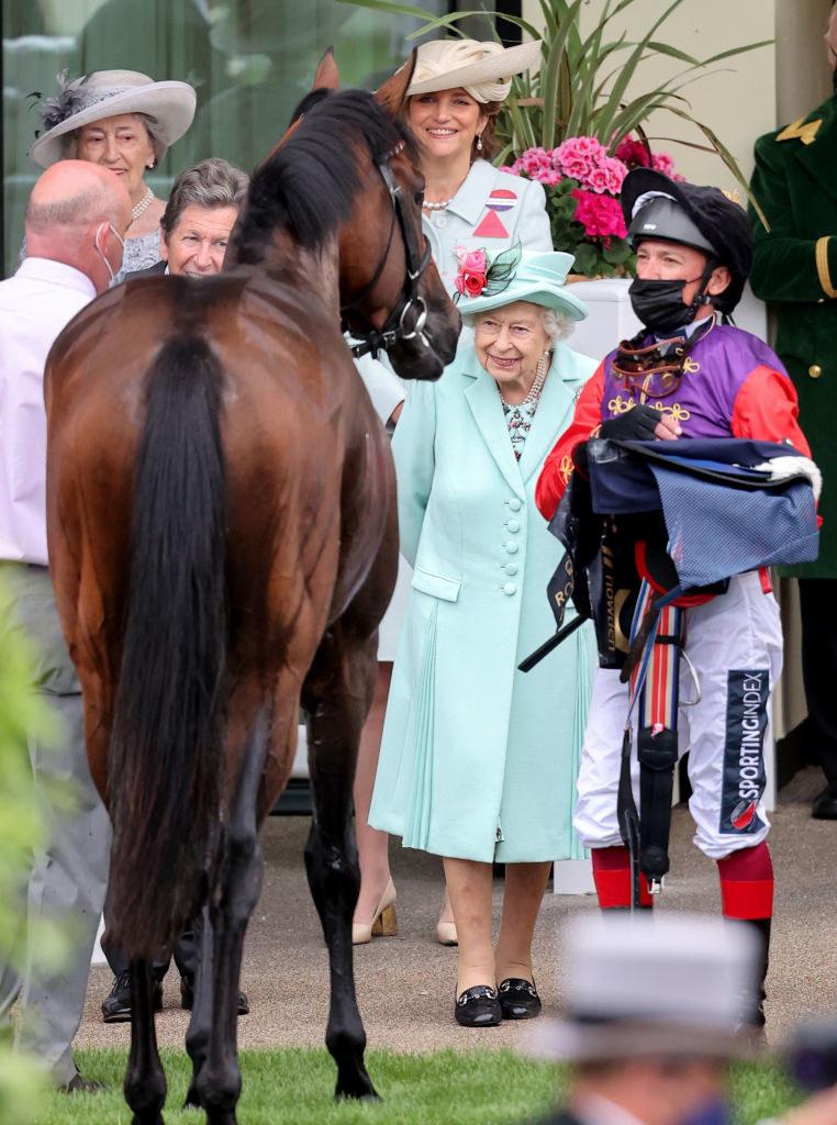 Królowa Elżbieta na wyścigach Royal Ascot /Max Mumby/Indigo /Getty Images