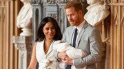 Królowa Elżbieta pozwoliła sobie na niestosowny żart względem Archiego? Książę Karol nie lepszy...