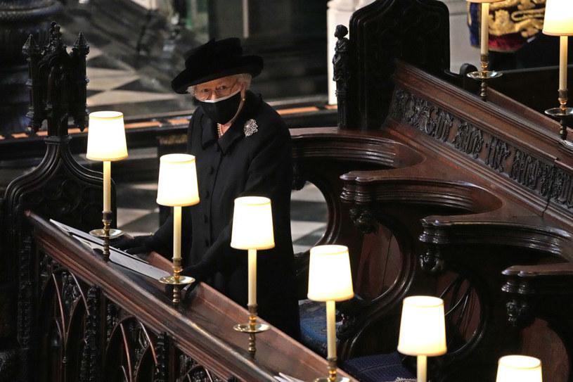 Królowa Elżbieta siedziała samotnie na pogrzebie księcia Filipa /Yui Mok-WPA Pool/Getty Images /Getty Images
