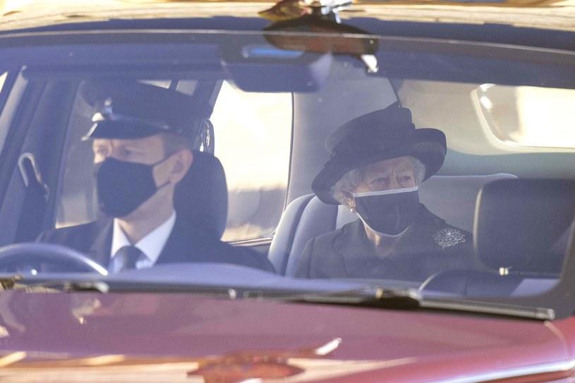 Królowa Elżbieta w drodze na pogrzeb Księcia Filipa /Getty Images /Getty Images