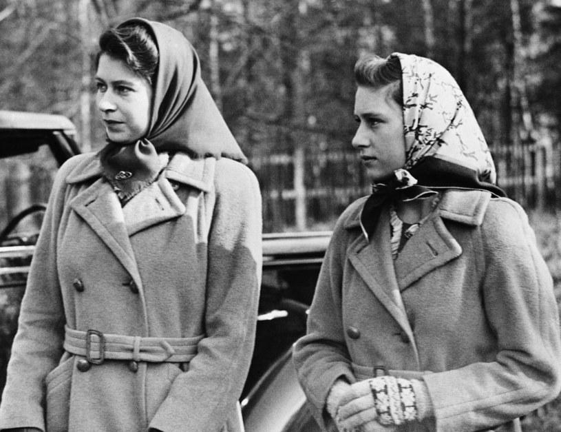 Królowa Elżbieta z siostrą Małgorzatą /East News