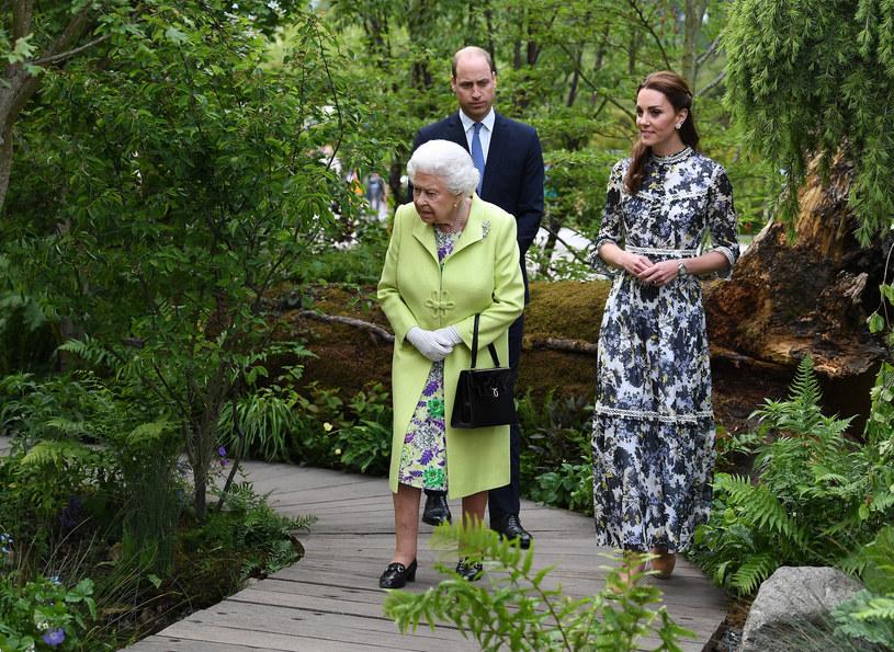Królowa nie pozwoli na rozwód? /James Whatling Pool /Agencja FORUM