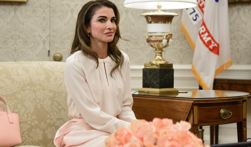 Królowa Rania zachwyca od lat wyglądem /Bloomberg /Getty Images