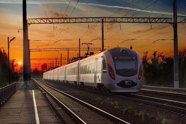 Krótsza podróż koleją do Zakopanego /©123RF/PICSEL