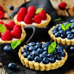 Kruche tartaletki z owocami