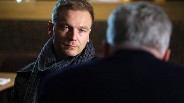 Krupski, ze wzburzenia, dostaje zawału! Czy Andrzej go uratuje? /MTL Maxfilm