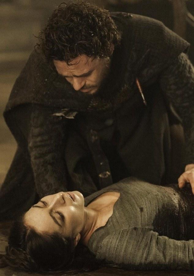 Krwawe gody w 9. odcinku trzeciego sezonu to jedne z najbardziej brutalnych scen w dziejach telewizji. /HELENSLOAN /materiały prasowe