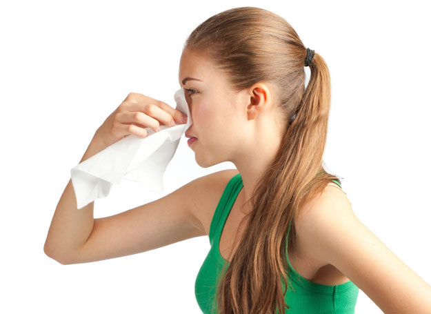 Krwawienie z nosa bywa nieprzyjemne /Picsel /123RF/PICSEL