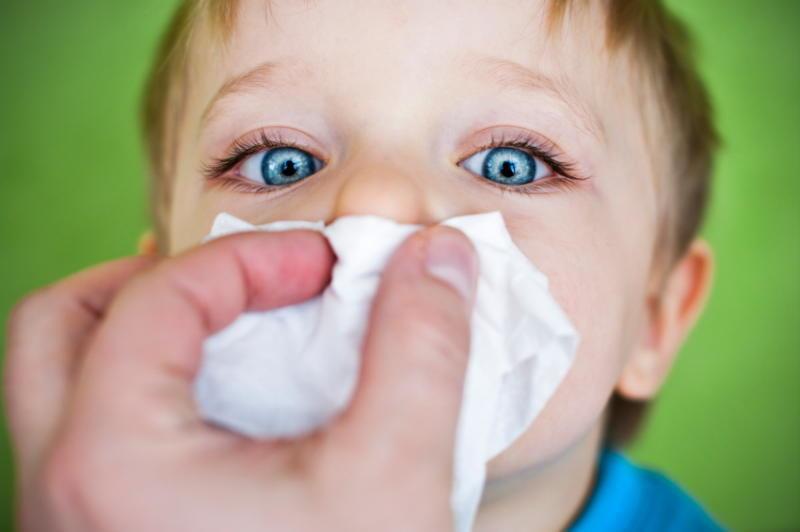 krwawienie z nosa u dzieci /© Photogenica
