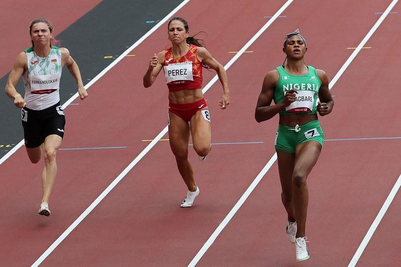 Kryscina Cimanouska (pierwsza z lewej) /AFP/AFP GIUSEPPE CACACE/ /AFP