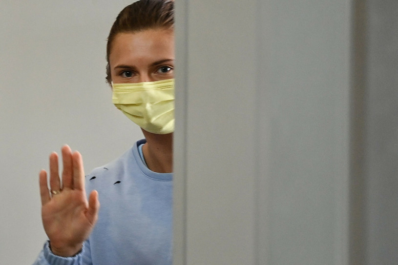 Kryscina Cimanouska tuż przed bezpiecznym wylotem z Tokio /CHARLY TRIBALLEAU/AFP/East News /East News