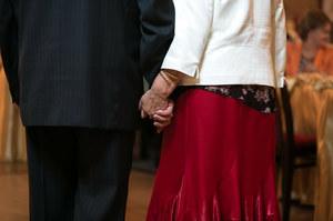 """""""Krysię znalazłem pod podłogą"""". Wzięli ślub po sześćdziesiątce"""