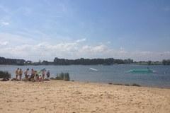 Kryspinów przyciąga pierwszych plażowiczy