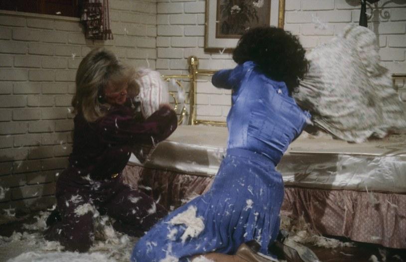 Kryste (Linda Evans) i Alexis (Joan Collins) w wojnie na podszuki /Walt Disney Television /Getty Images
