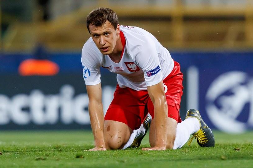 Krystian Bielik zgłosił akces do dorosłej kadry na środek bloku obronnego /Getty Images