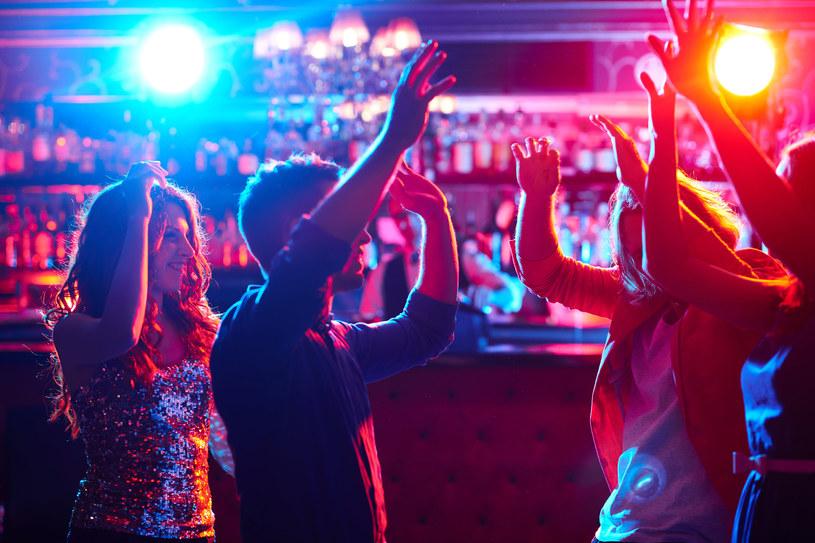 Krystian W. miał poznawać nastolatki w trójmiejskich klubach i dyskotekach; zdj. ilustracyjne /123RF/PICSEL
