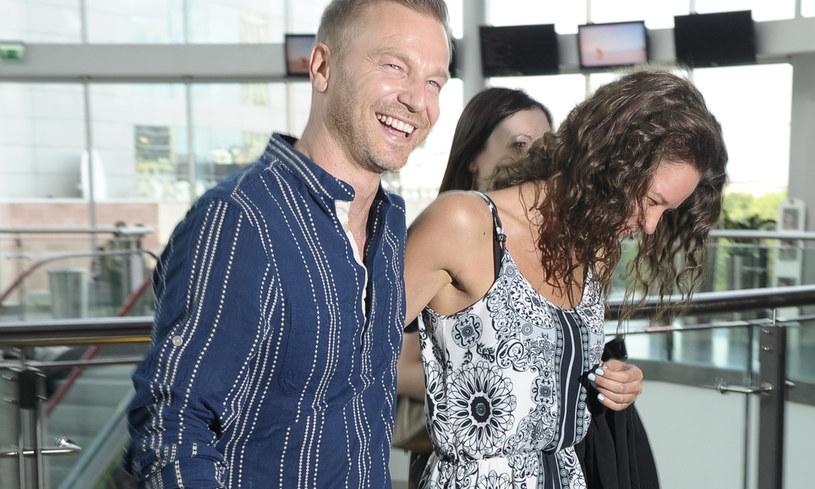 Krystian Wieczorek z żoną /Niemiec /AKPA